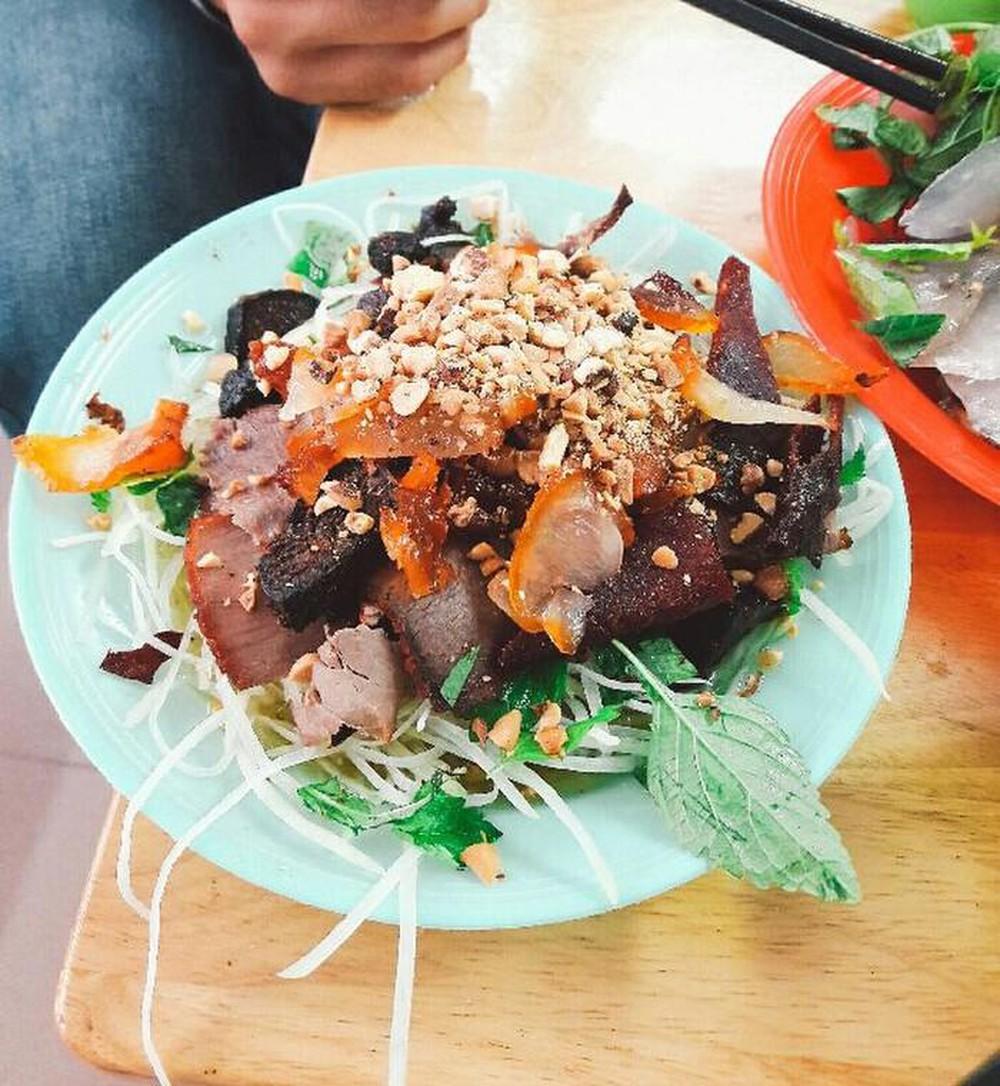 Nộm Thịt Bò Khô Long Vi Dung