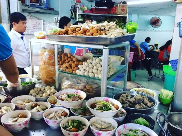 ăn sáng ở Sài Gòn
