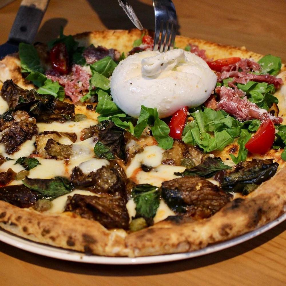 Pizza 4P's Pizza Kiểu Nhậ