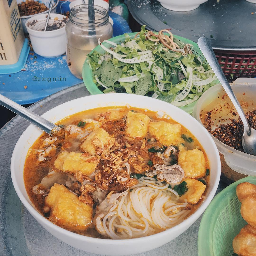 quán bún riêu ngon Hà Nội