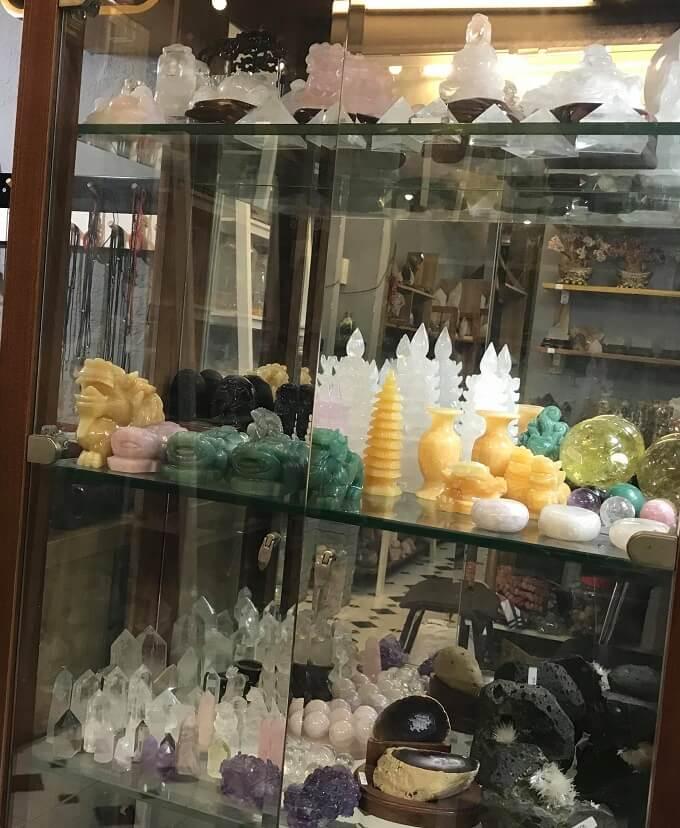 cửa hàng bán đá phong thủy uy tín tại TPHCM