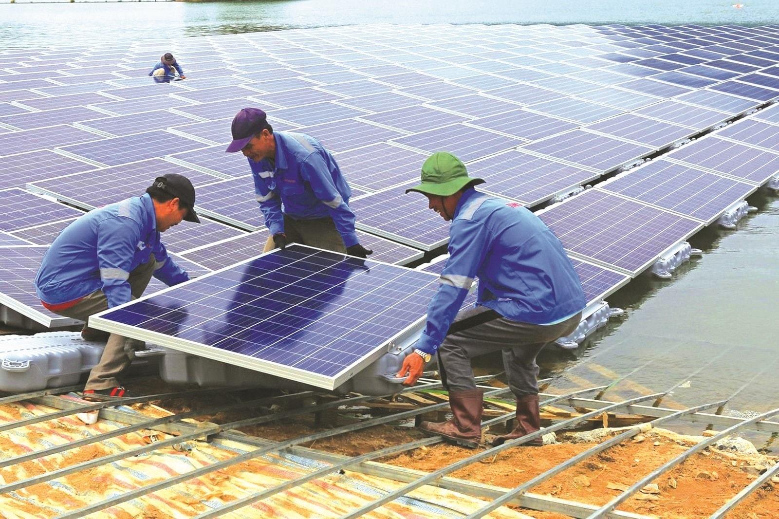 Công Hùng Solar