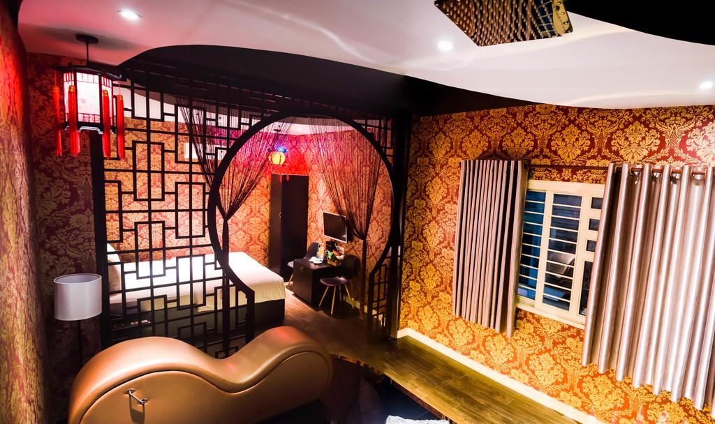 Khách sạn tình yêu Sài Gòn 4